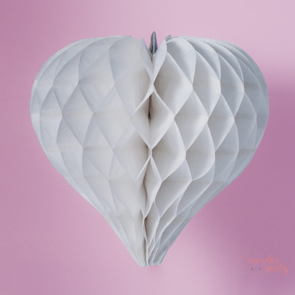 Corazón nido de abeja blanco