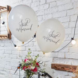 globos just married recien casados