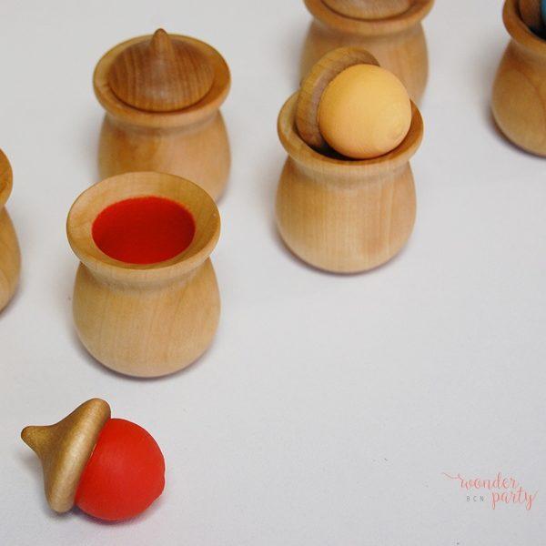 memory de colores en madera hecho y pintado a mano Wonder Party Bcn