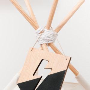 Banderola de madera rayo