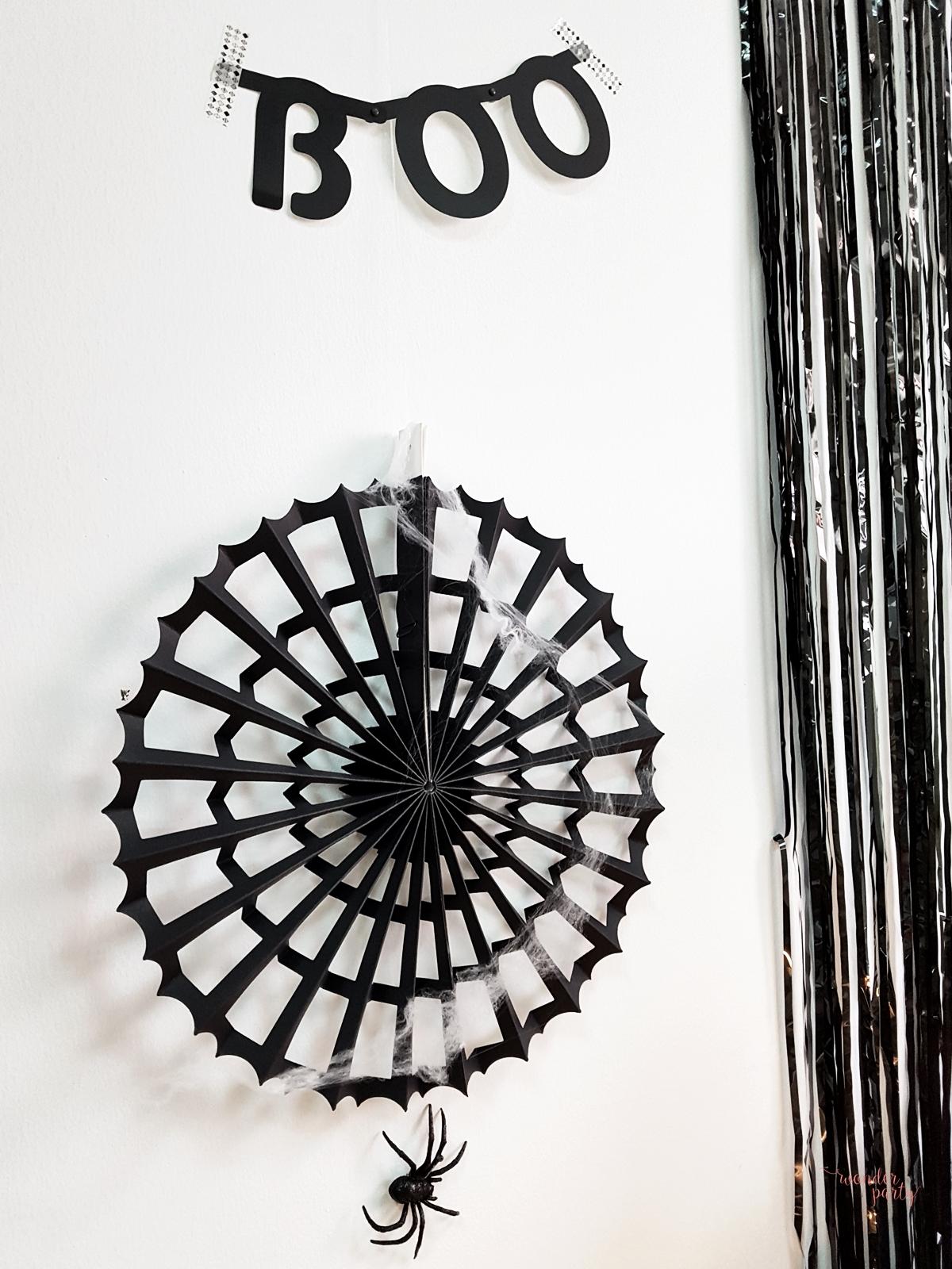 et de 3 abanicos tela de araña negrospara fiestas Ideas para hacer una fiesta de halloween Wonder Party bcn