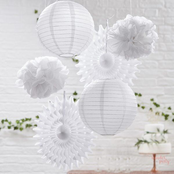 Set deco pompones lamparas abanicos de papel blanco para fiestas Wonder Party Bcn