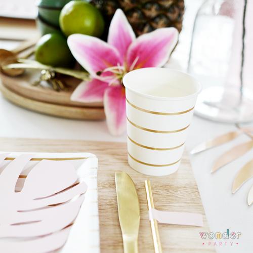 Vasos de papel blancos rayas doradas
