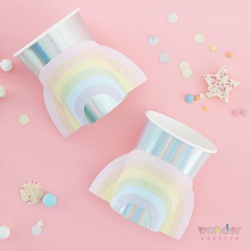 Vasos arcoíris iridiscente y tonos pastel