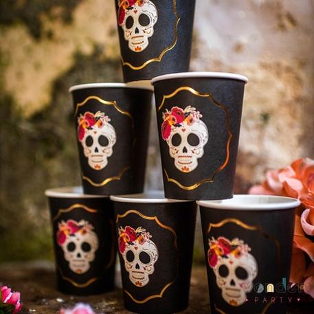 Vasos Catrina con flores negro y dorado