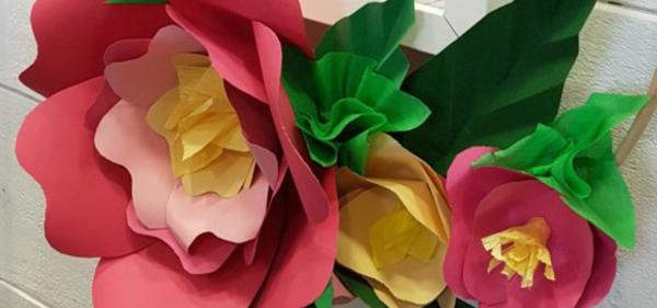 Workshop flores de papel y aro con flores de papel